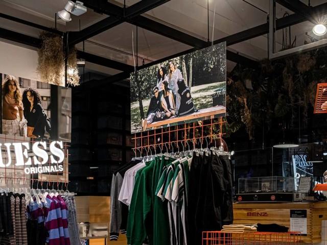 In Bildern: Guess eröffnet Verkaufsfläche im Engelhorn-Kaufhaus Mannheim