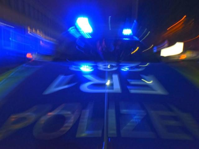 Stuttgart-Vaihingen: BMW aus Autohaus gestohlen