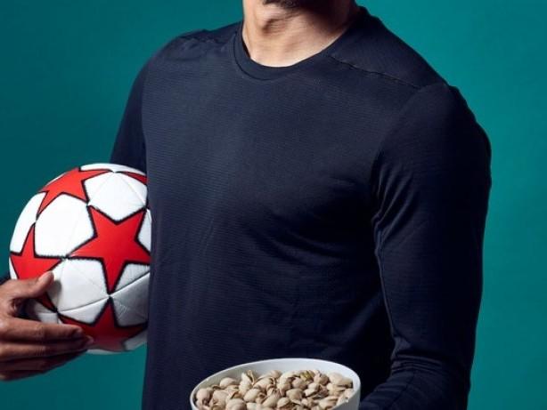 Anzeige – Amerikanische Pistazien sind der Snack der Wahl für internationalen Fußball-Star / Jesse Lingard isst Pistazien, um körperliche Höchstleistungen zu erbringen
