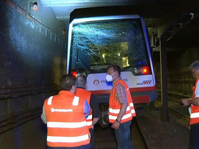 Hamburg: U-Bahn fährt in Tunnel gegen Bohrer - drei Leichtverletzte