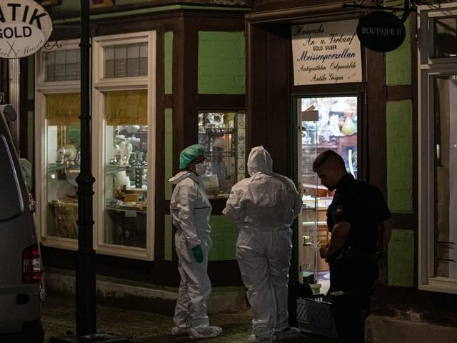 Überfall: Juwelier erschießt Räuber, zweiter Täter schwer verletzt