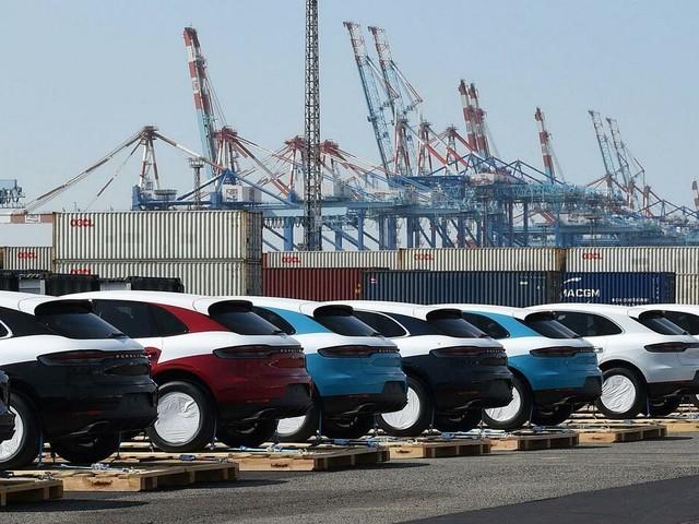 Autobauer: Problem für VW, Daimler und BMW? Chinas Fahrzeugabsatz sinkt im Juli deutlich