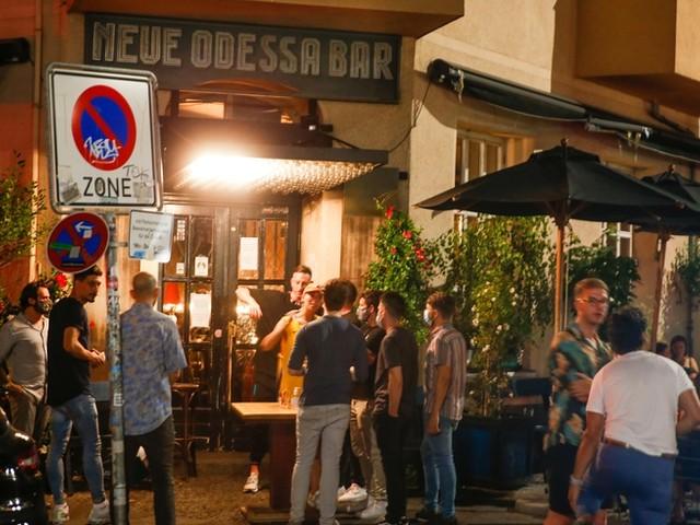 Alkoholverbot für Kneipen? Wie Berlin die Corona-Vorschriften in Bars durchsetzen will