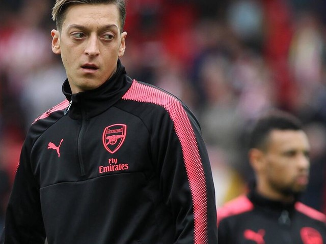 Mesut Özil: Polizei nimmt Weltmeister aufs Korn