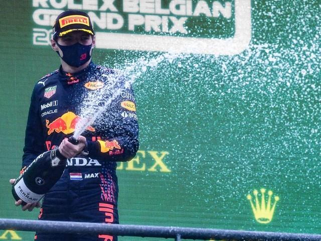 Sport kompakt: Formel-1-Farce: Verstappen nach nur zwei Runden in Spa zum Sieger erklärt
