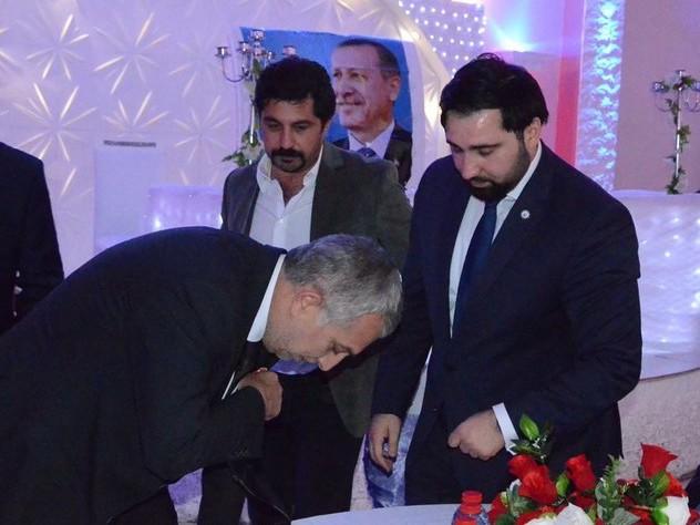 Sollten Abgeordnete Abstand halten?: Erdoğan-Lobbyisten an der Arbeit