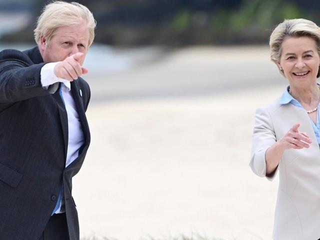 G7: Staatenlenker am Strand