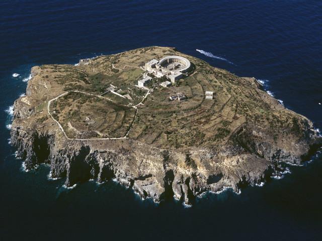 """Verlassene Gefängnisinsel Santo Stefano: Das """"Alcatraz von Italien"""" soll zur Touristen-Attraktion werden"""