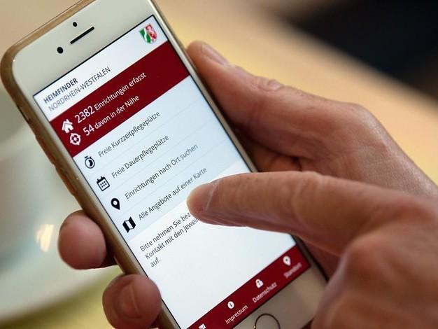 Neue App freigeschaltet: Per Smartphone zum neuen Pflegeplatz