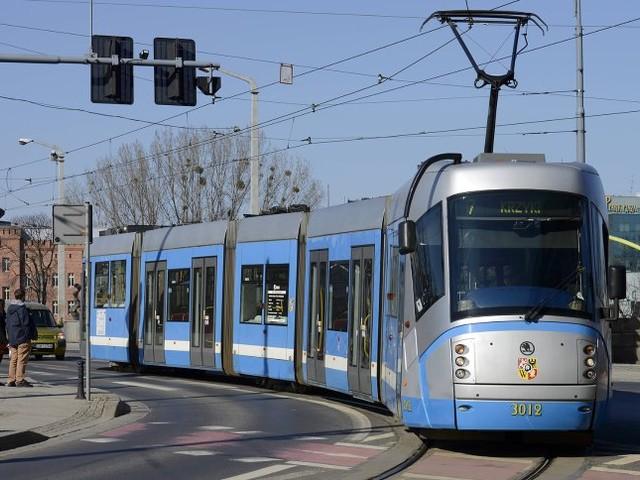 Kostenloser Nahverkehr: Buch vorzeigen, gratis Bus und Bahn fahren