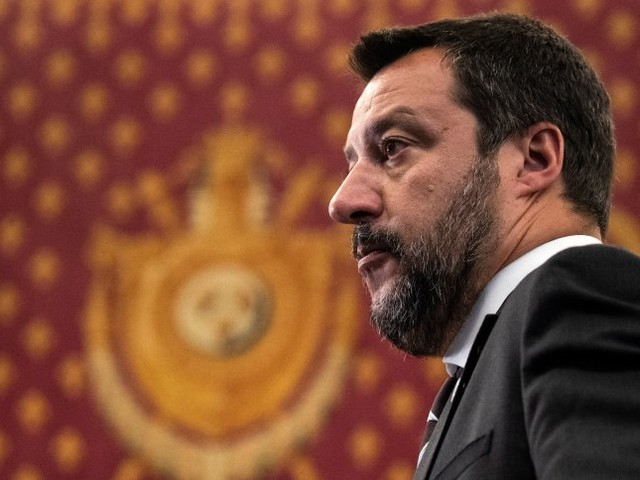 "Rettungsschiff ""Open Arms"": Salvinilässt minderjährige Flüchtlinge an Land"