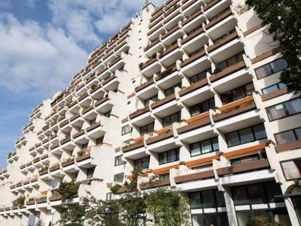 Mehr als 400 Wohnungen: Dortmund räumt riesigen Hochhauskomplex wegen Brandgefahr