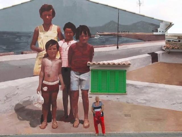 """Casa Laquita"" – Mohamed L'chacham portraitiert Familie mit Mural auf Mallorca"