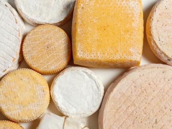 Produktrückruf im Oktober 2020 aktuell: Mit Listerien verseucht! Hersteller ruft DIESEN Käse zurück