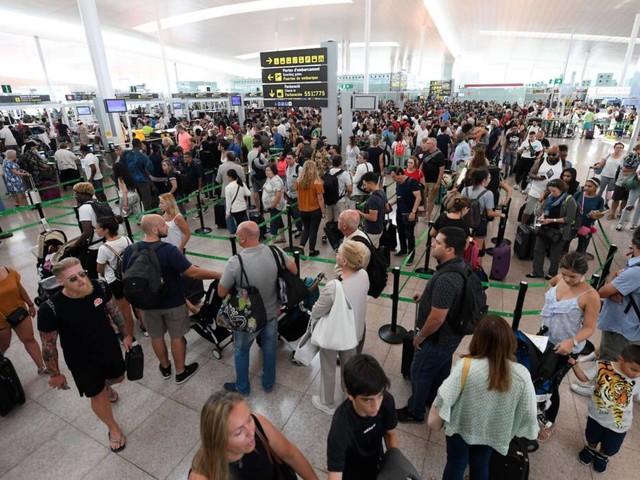 In Europa: Streiks angekündigt! Wo Flugreisende mit Ausfällen rechnen müssen
