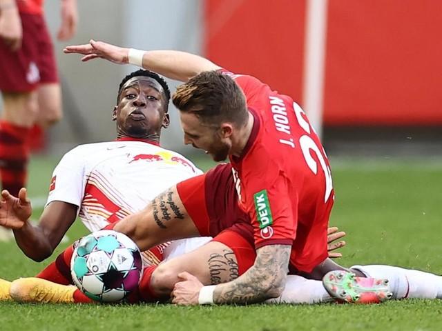 Deutsche Bundesliga: Leipzig verspielt in Köln letzte Titelchance