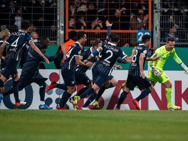 DFB-Pokal kompakt: Torwart trifft zu Bochum-Sieg – Leverkusen-Aus