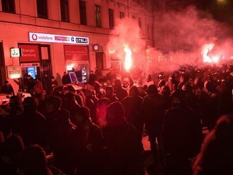 Ausschreitungen bei Indymedia-Demo in Leipzig