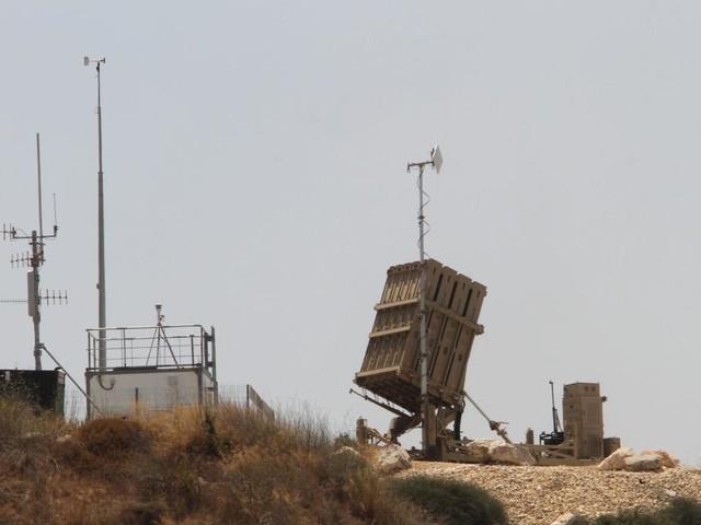 Palästinenser feuern Raketen ab, Israel schießt aus Hubschraubern