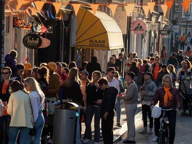 Zurück zur Normalität: Keine Abstandsregeln mehr in den Niederlanden – Norwegen kippt fast alle Corona-Regeln