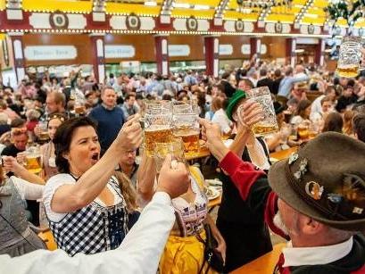 """O'zapft is!"": Münchner Oktoberfest offiziell gestartet"