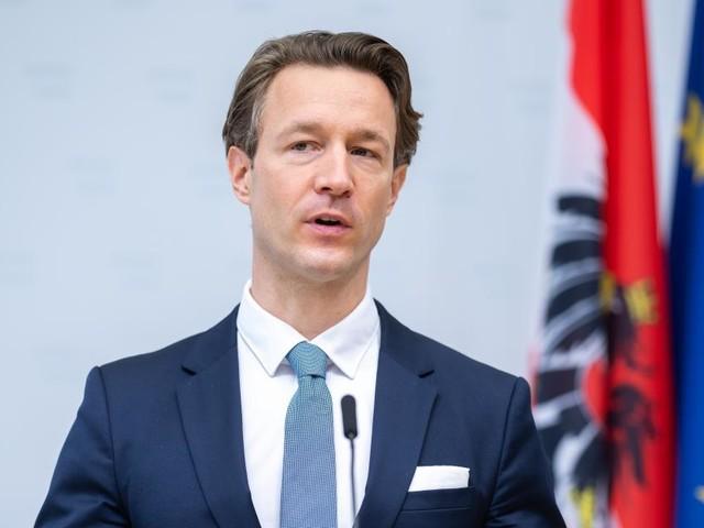 Finanzminister Blümel reagiert nach ZiB2-Auftritt mit Facebook-Posting