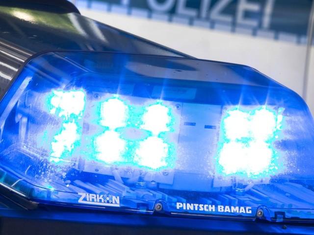 Nordrhein-Westfalen: Spielende Mädchen zerkratzen 33 Autos mit Steinen