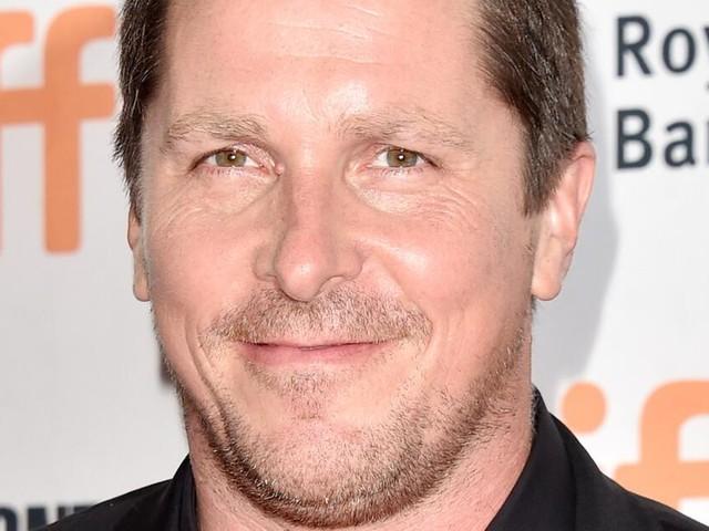 """Christian Bale hat für """"Backseat"""" mal wieder ordentlich zugenommen"""