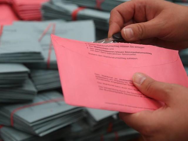 Wahlen im Nordosten: Deutsche Post versäumt Zustellung von Briefwahlstimmen