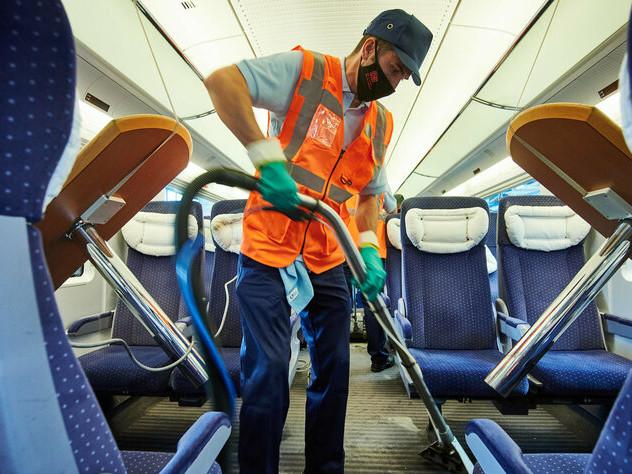 Zugfahren in der Coronakrise: Grüne pochen auf Maskenpflicht