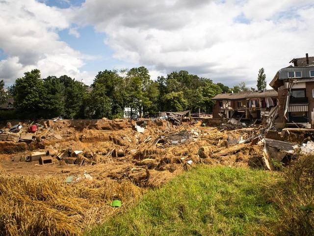 Hochwasser-Folgen: Erftstadt diskutiert die Lage an der Abbruchkante