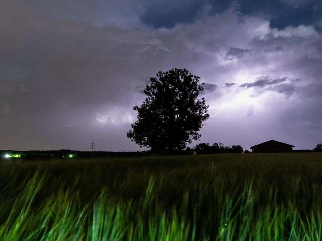 Unwetter in Deutschland: Alarmstufe Rot! DWD warnt wieder vor großem Hagel, Orkanböen und Starkregen
