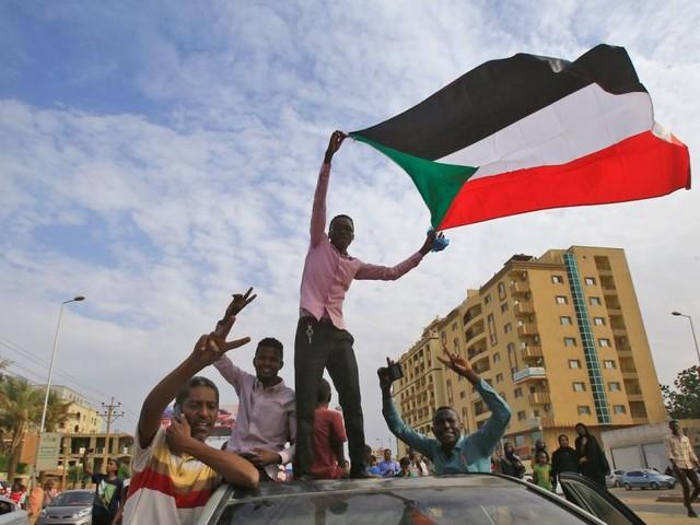 Sudan: Militär und Protestbewegung einigen sich auf Verfassung