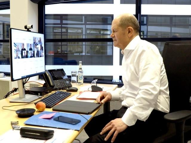 "Stephan Lamby im Interview - Doku-Filmer über quälend lange Szene mit Scholz: ""Das dauerte fünfeinhalb Minuten"""