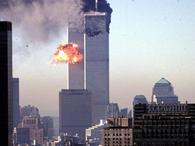 """""""Seitdem bin ich für viele vor allem eines: Muslimin"""": Wie 9/11 das Leben von People of Color verändert hat"""