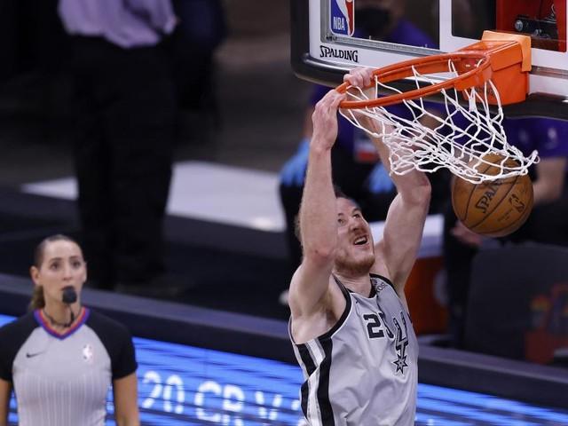 Negativlauf beendet: NBA-Star Pöltl mit Double-Double bei Spurs-Sieg