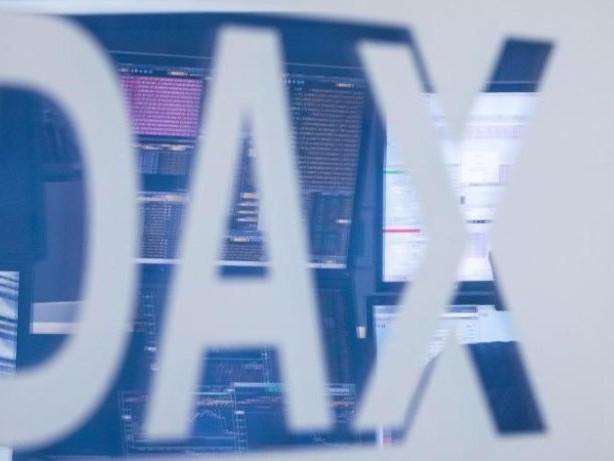 Börse in Frankfurt: Dax erholt sich nach Minus am Freitag
