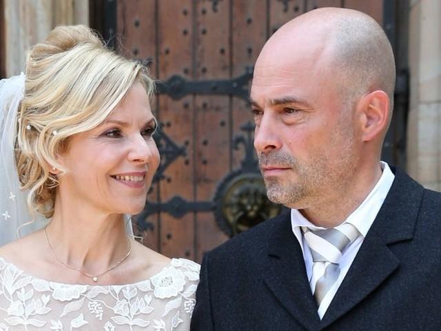 """Andrea Kathrin Loewig: TV-Ärztin aus """"In aller Freundschaft"""" hat geheiratet"""