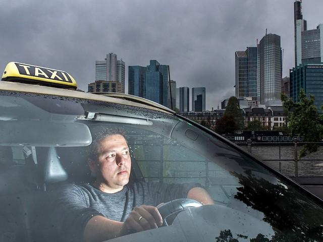Was die Existenzängste der Taxifahrer mit Uber und Mercedes zu tun haben