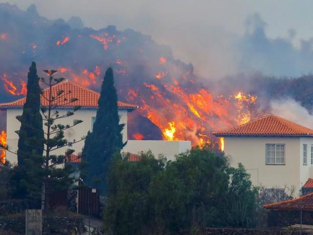 Video: Lavaströme zerstören Häuser auf La Palma