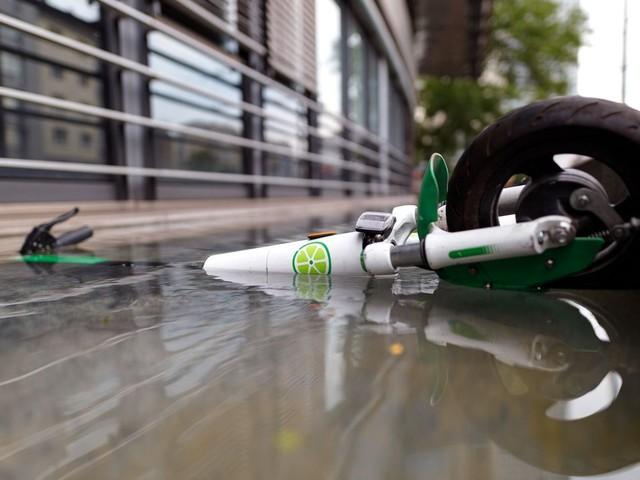 Köln: Über 500 E-Scooter liegen auf dem Grund des Rheins