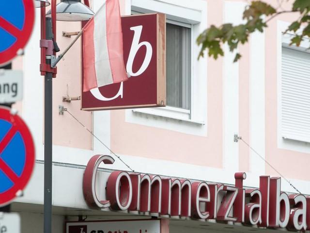 """""""Schock sitzt noch immer tief"""": Bankkunden wollen kämpfen"""
