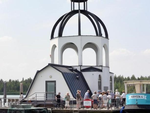 """Störmthaler See: Schwimmende Kirche """"Vineta"""" bei Ausflüglern beliebt"""