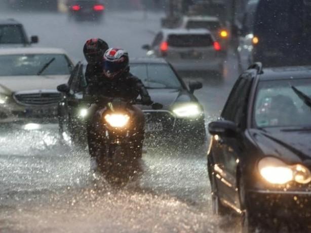 Wetter: Unwetter in Berlin: Rund 250 Einsätze der Feuerwehr