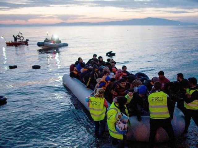 """Seenotrettung im Mittelmeer - Kommen mehr Migranten durch EU-Marinemission? Der """"Pull-Effekt"""" im Fakten-Check"""