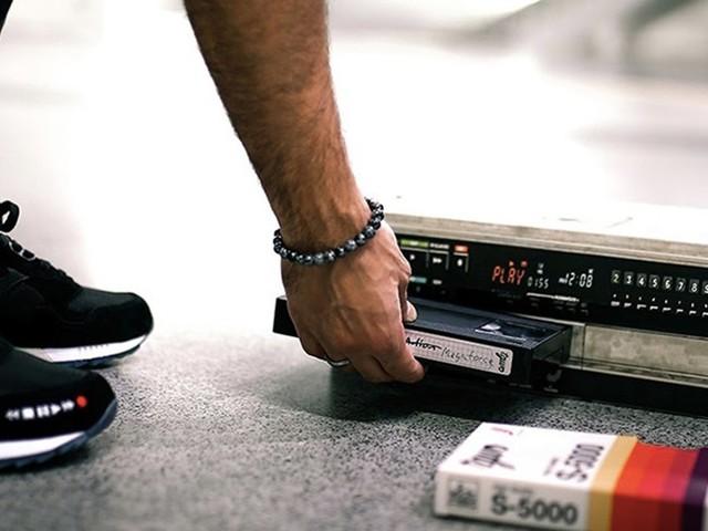 Ein Sneaker wie ein 80er Jahre Film | THE GOOD WILL OUT X SAUCONY SHADOW 5000 VHS