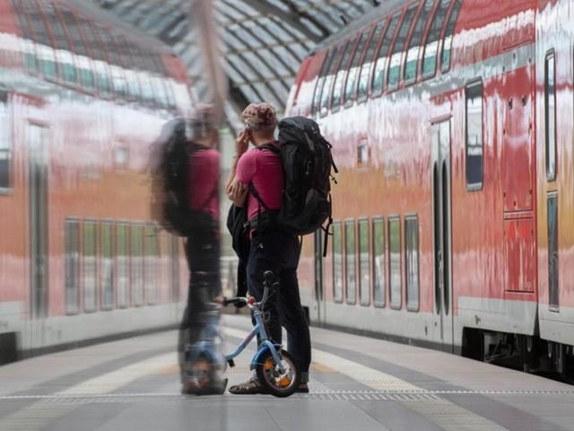 Gemeinsames Versprechen mit der Telekom: Bis 2026 soll das Mobilfunknetz auf allen Strecken der Deutschen Bahn lückenlos sein