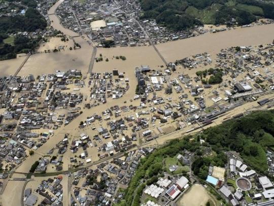 Viele Vermisste - Mindestens 50 Tote nach schweren Unwettern in Japan