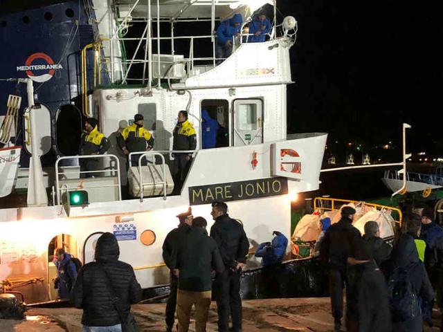 """49 Migranten aus Mittelmeer gerettet: Italien beschlagnahmt Rettungsschiff """"Mare Jonio"""""""