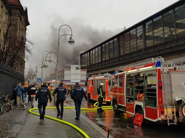 Nach Brand im Technikraum: Bahnhof Zoo noch länger vom Regionalverkehr abgehängt